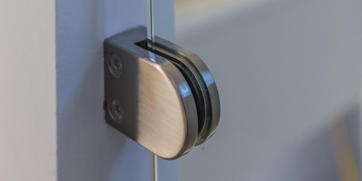 Shower door in Harpenden kitchen extension