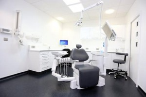 Treatment room, Charles Landau dental practice refurbishment