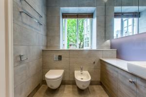 Modern bathroom with WC and bidet