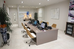 Stylish office in neutral colours: planning an office refurbishment: office renovation