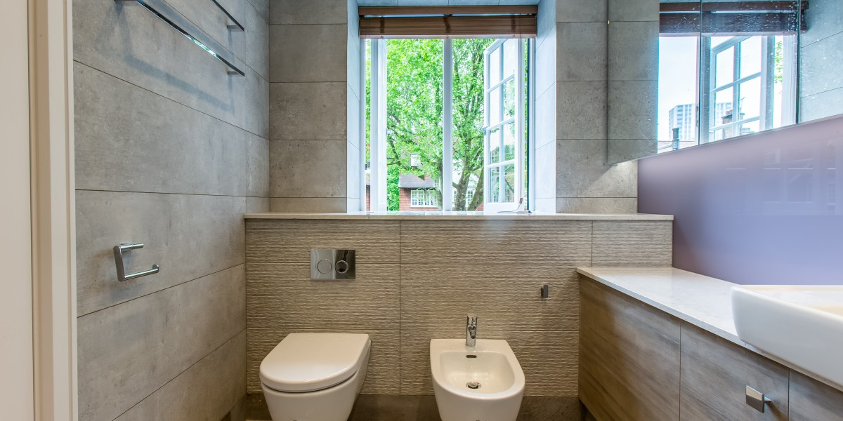 Modern bathroom with WC and bidet