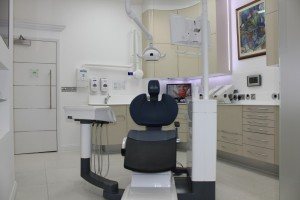Dental surgery with dentist chair and equipment