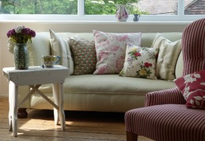 decorating your home on a budget using scatter cushions
