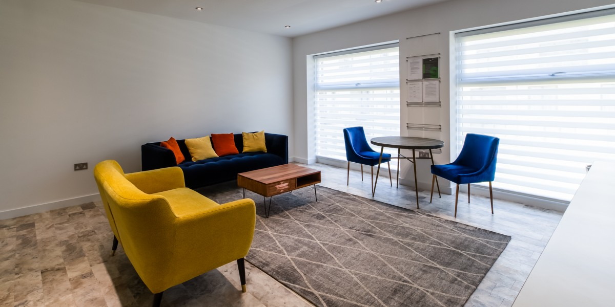 Stylish waiting area at Dentaltree dental practice Finchley Road, London