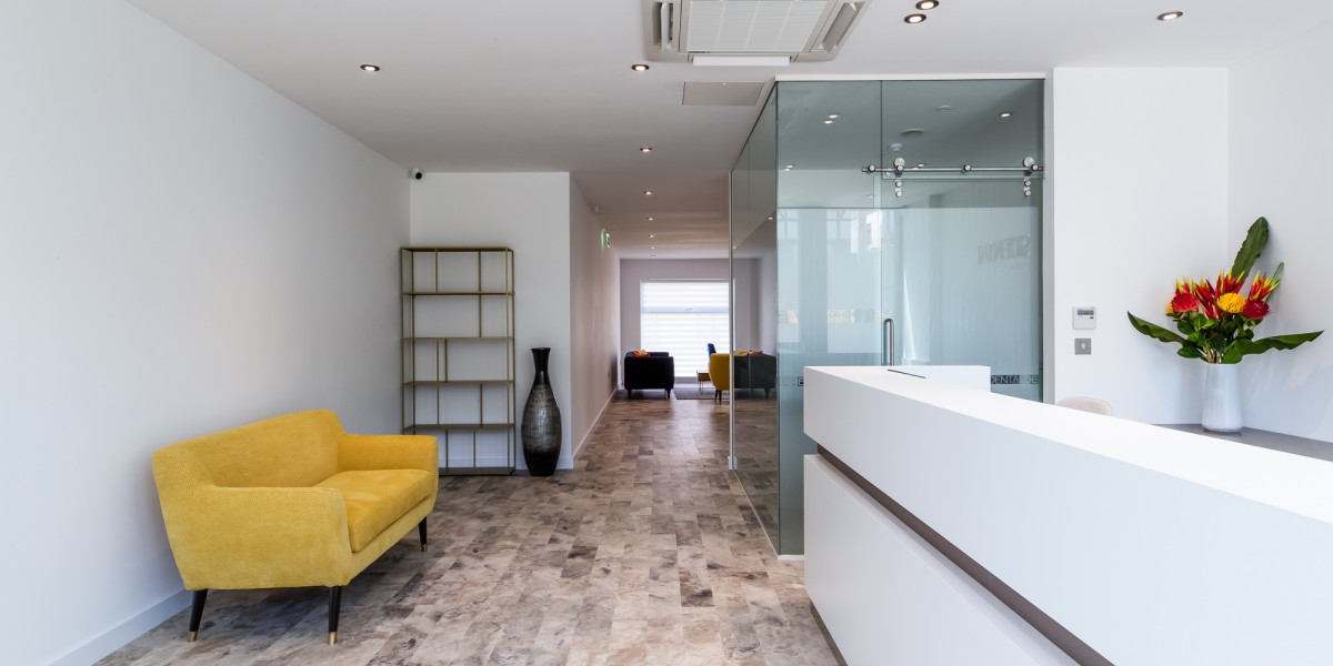 Reception and waiting area at Dentaltree dental practice Finchley Road, London