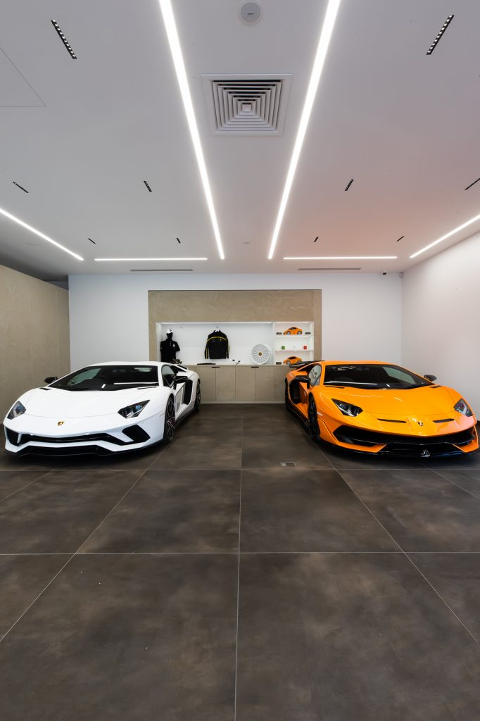 HR Owen Lamborghini showrooom in Pangbourne Berkshire fit out by Apollo Interiors